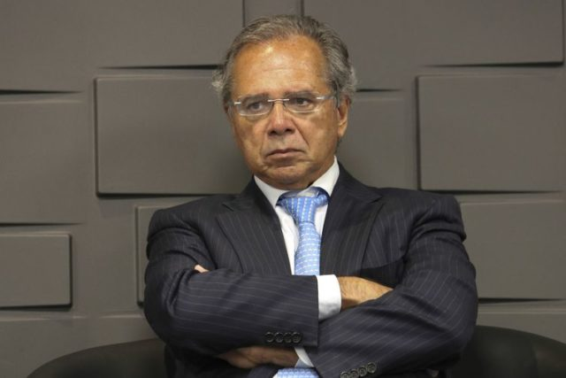 Paulo Guedes - Leite
